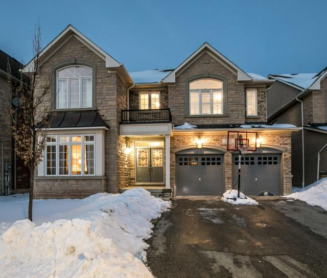 2345 Hall Manor Drive, Iroquois Ridge North, Oakville 2